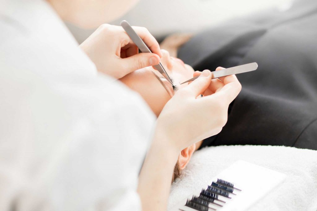 Luxury-Lashes-Home-Cursus-Wimperextensions