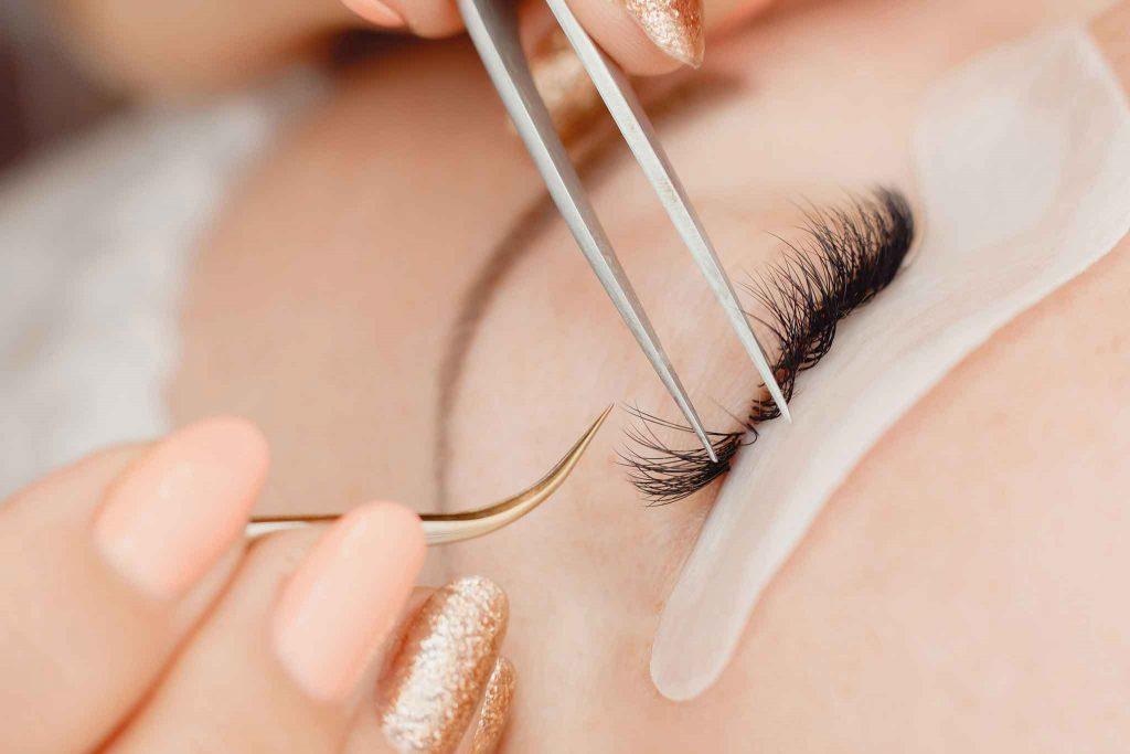 Luxury-Lashes-Home-Salon